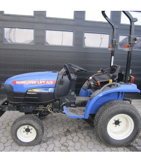 New Holland TC21 traktor